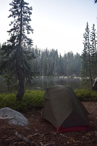 Schlafplatz am Bergsee